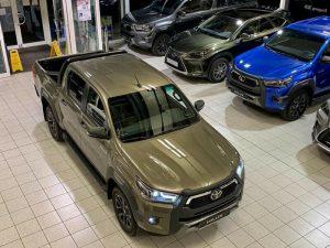 2021 Toyota Hilux Double Beige Metallic 001