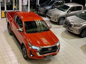 2021 Toyota Hilux Double Metallic Orange 001
